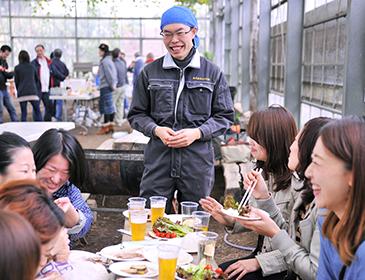 BBQ参加者の笑顔